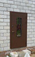 пример установленной входной двери